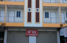 ขายอาคารพาณิชย์ (หอพัก)  3 ชั้น 8 ห้องนอน 9 ห้องน้ำ มีดาดฟ้า