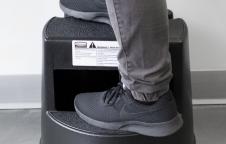 Mobile Two-Step Stepstool : เก้าอี้บันได