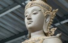 พระพุทธมหาจักรพรรดิ ขนาด3.30 เมตร