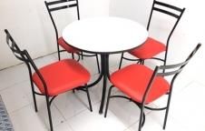 ชุดโต๊ะอาหาร ราคาประหยัด 2,490 บาท โต๊ะขาลายน้ำพุ