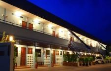 ขายด่วน โรงแรม 2 ชั้น ตรงข้ามหาดเตยงาม สัตหีบ มีที่จอดรถ ติดถนน