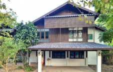 For sale big beautiful wooden house Chiang mai.