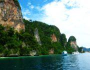 เที่ยวภูเก็ตเกาะพีพี ดำน้ำ เล่นน้ำ ชมปะการัง